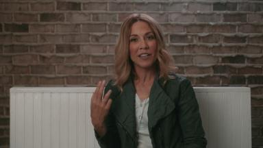 Embedded thumbnail for Sheryl Crow on the SmartCurve™ Breast Stabilization System